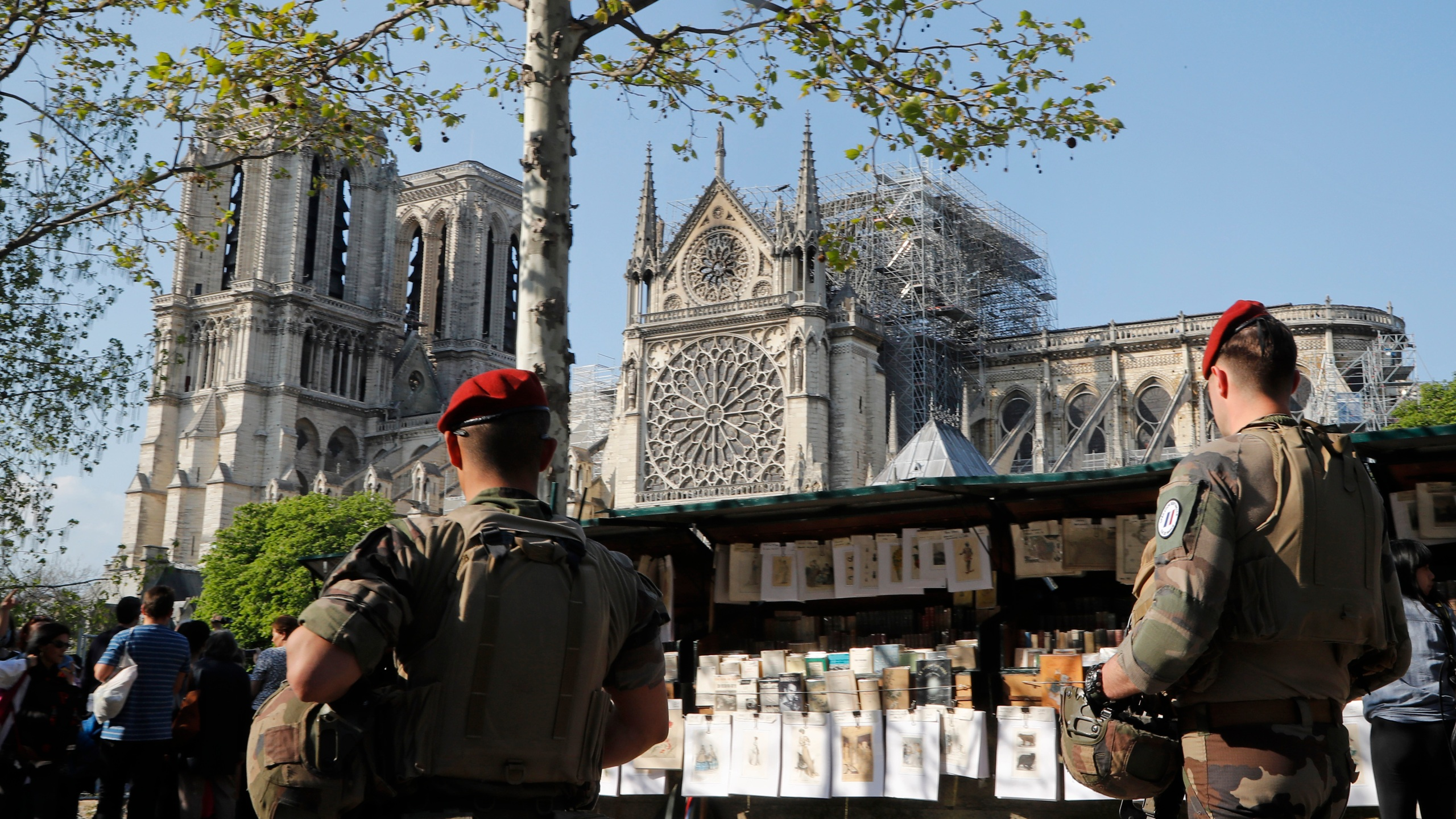 France_Notre_Dame_Fire_82618-159532.jpg74208218