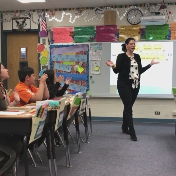 Golden Apple: Roxanne Mitchell teaching to make a difference in children's lives