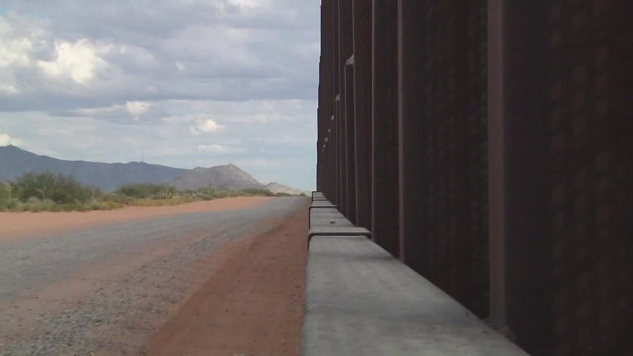 border wall_1556107000122.jpg.jpg