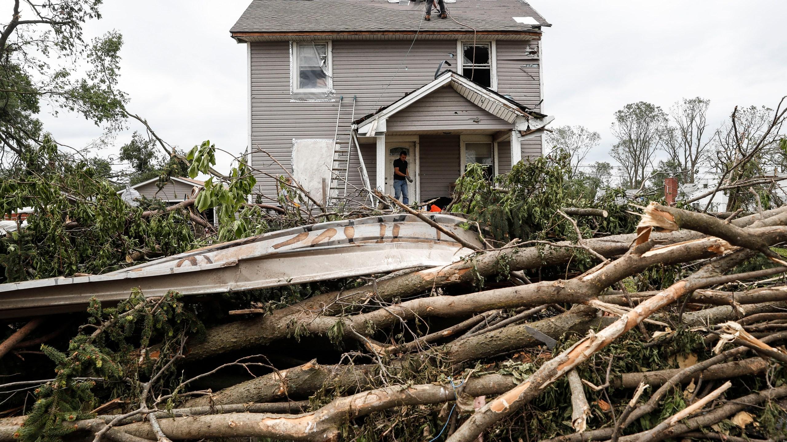 APTOPIX_Severe_Weather_Ohio_94773-159532.jpg93812179