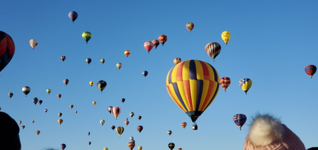 Last day of Balloon Fiesta includes farewell mass ascension