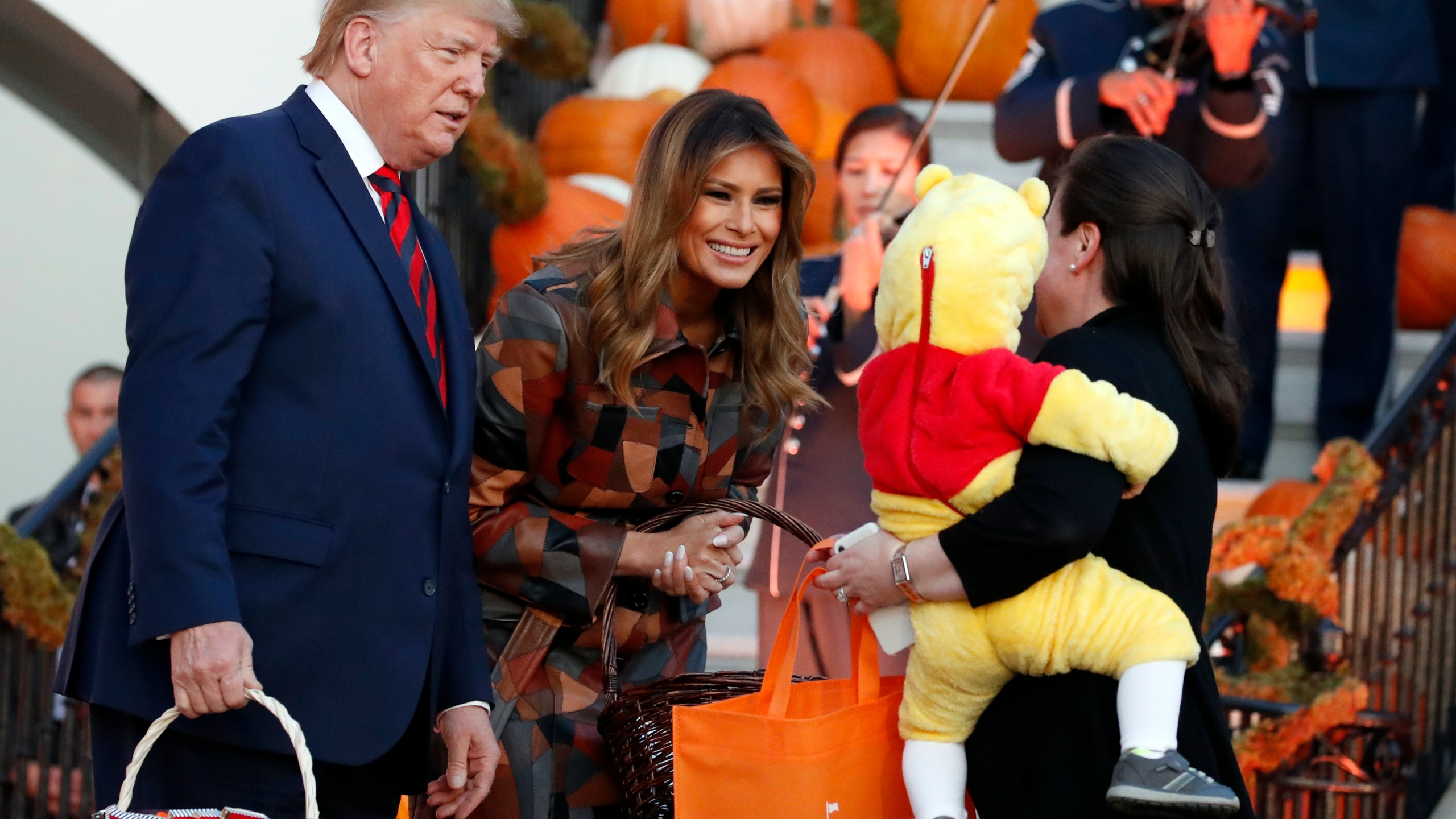 Halloween Candy 2020 News Trumps hand out Halloween candy, greet kids at White House   KRQE