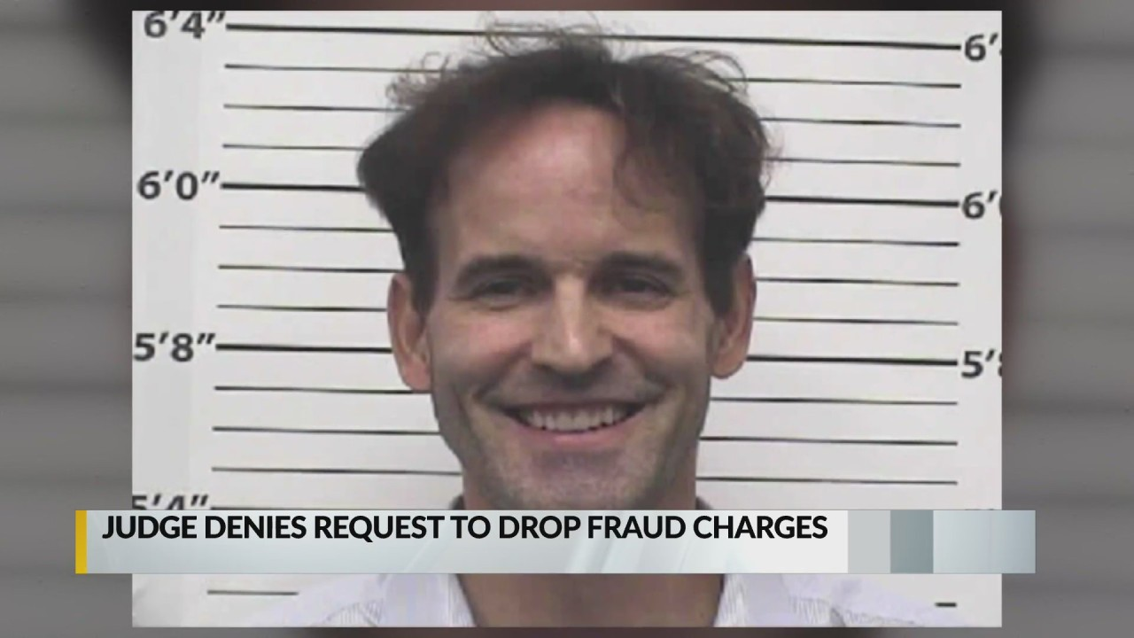 Albuquerque dentist charged with fraud denied request to have charges dropped