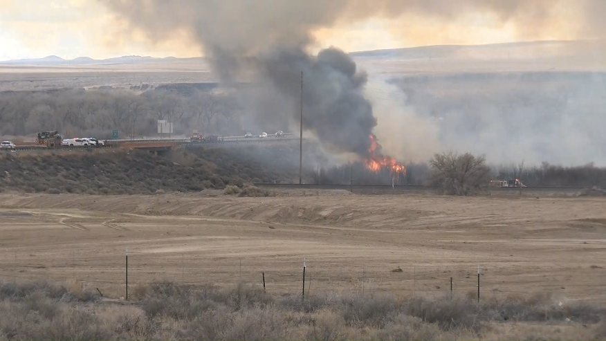 Brush Fire near I25 and Broadway - Flare up 3:01 pm // KRQE Media March 10 2020 PM