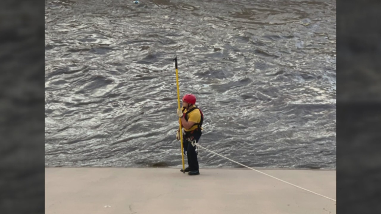 2 swept away in Albuquerque arroyo, 1 presumed dead