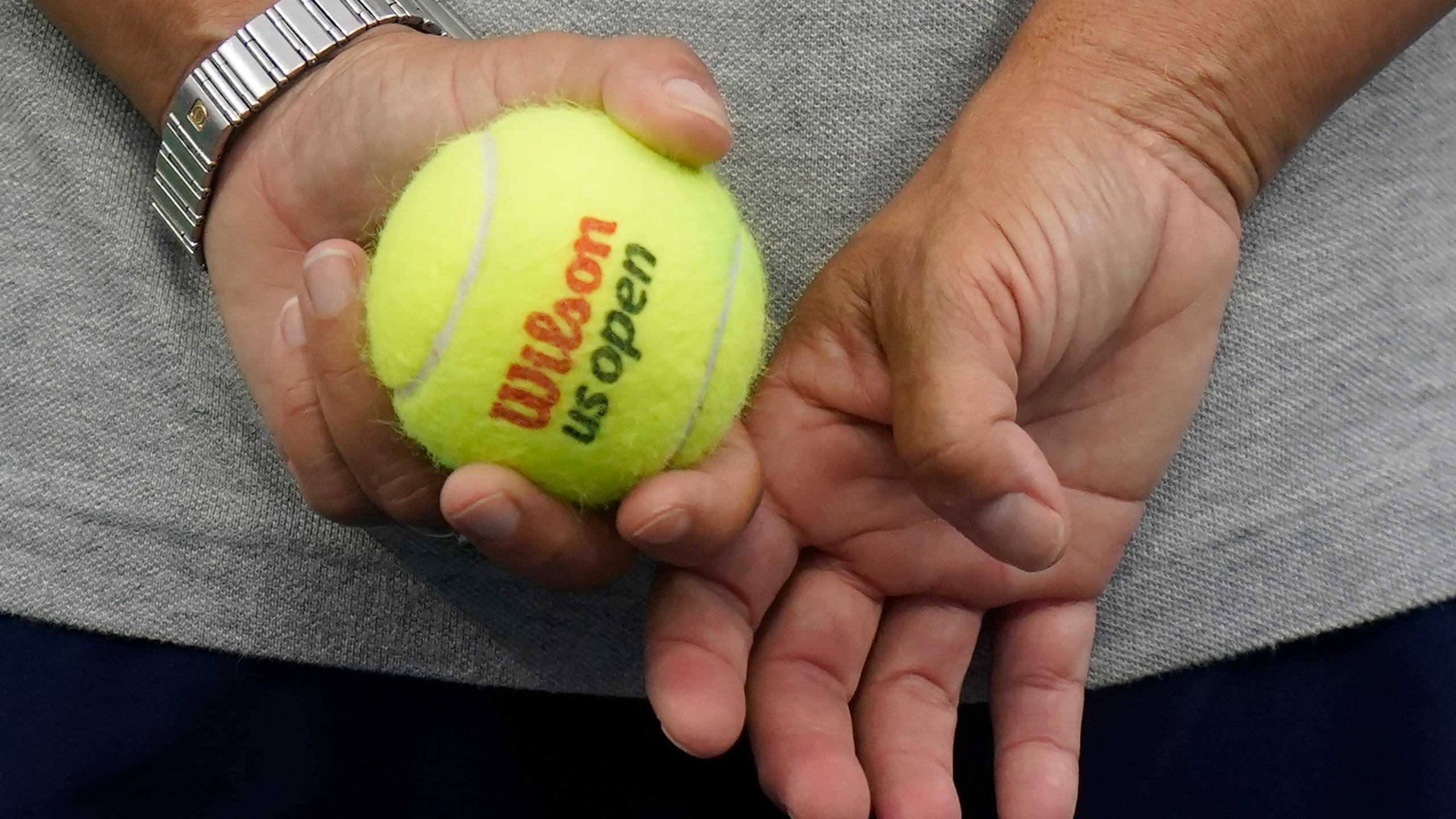 The Latest Still Perfect Novak Djokovic Advances At Us Open Krqe News 13