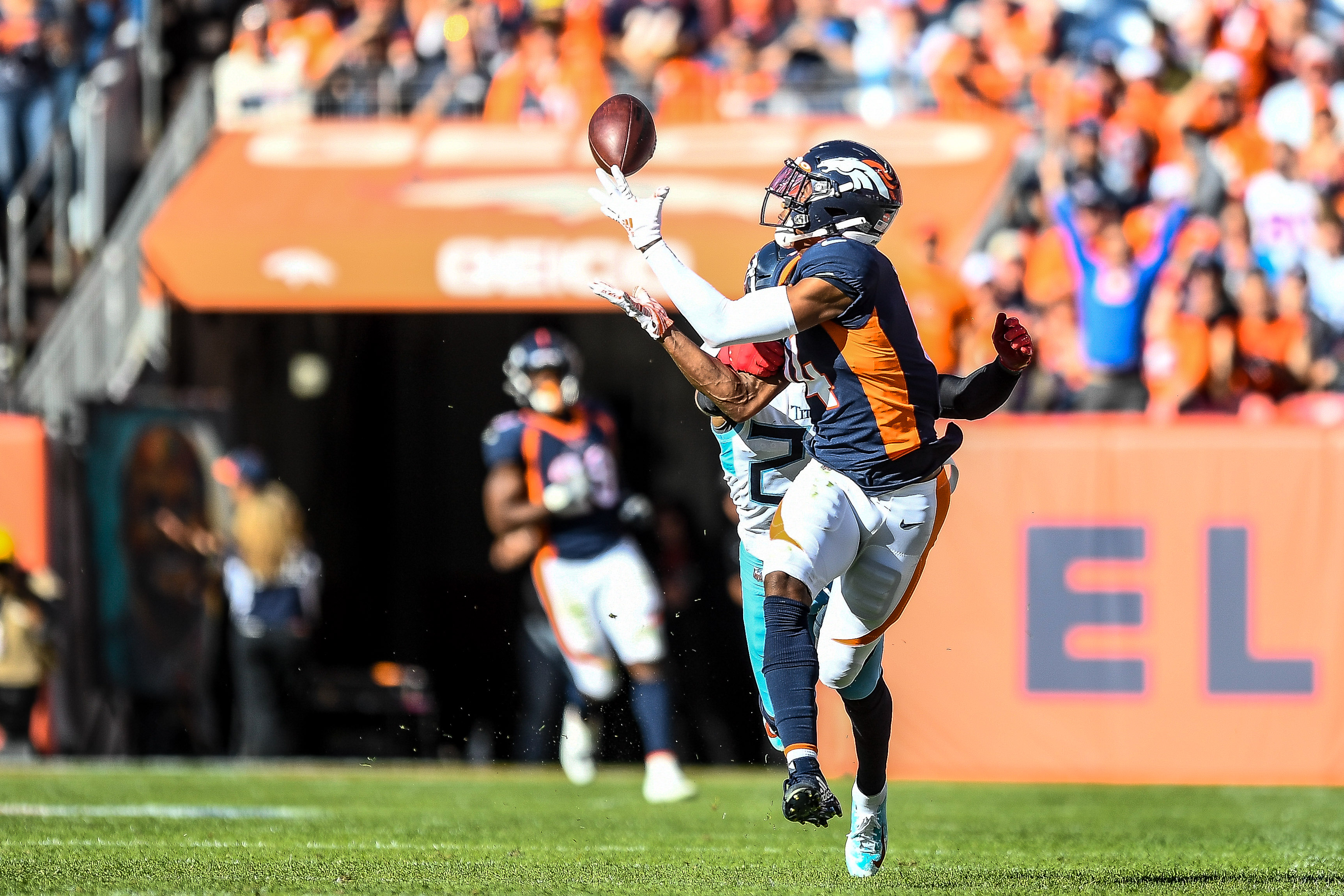 Courtland Sutton injures right shoulder during practice | KRQE News 13