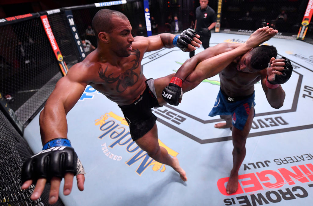 Devin Clark Moved To Headliner Of Saturday S Ufc Fight Night Event Krqe News 13