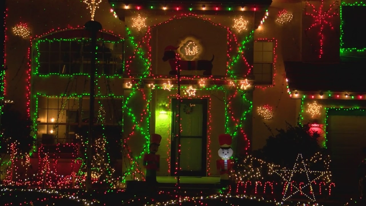 Albuquerque teen brings light to 2020 with elaborate Christmas