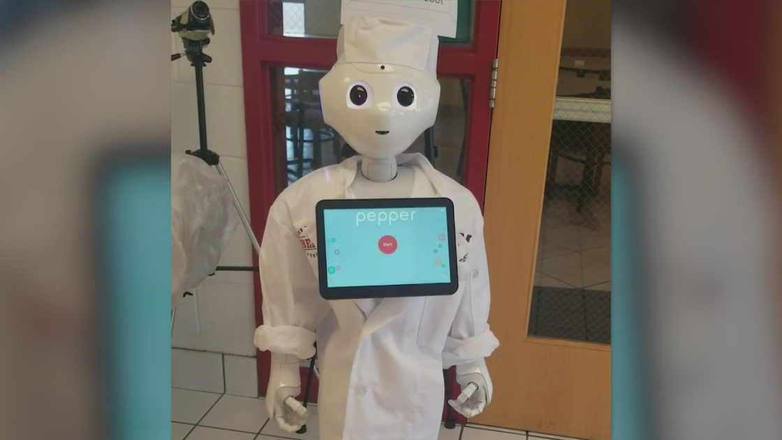 krqe.com - Brittany Bade - NMSU researchers using robot to study hospitality industry